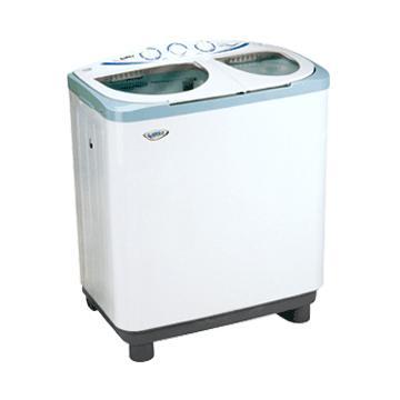 目前的全自动洗衣机因残留水不容易排放干净