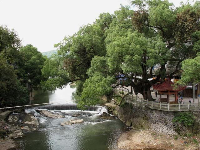 阴天江南风景图
