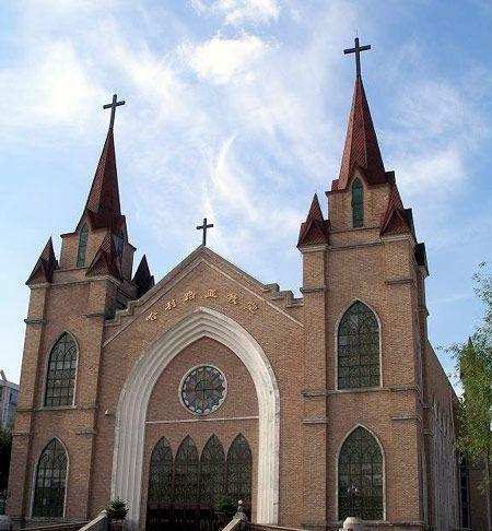 哈利路亚教堂已成为哈尔滨市教堂建筑的一道靓丽的风景,等待着众多游