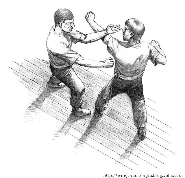 一般初学咏春拳者,每多追求每一下招式如何应用,而忽略了拳法结构上图片