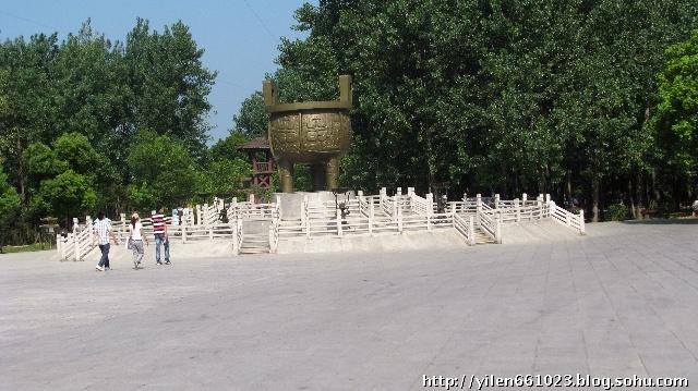 无锡:太湖影视基地三国城