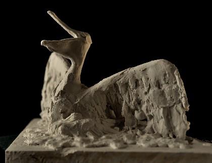 和《为中华白海豚繁衍开绿灯》两件雕塑作品