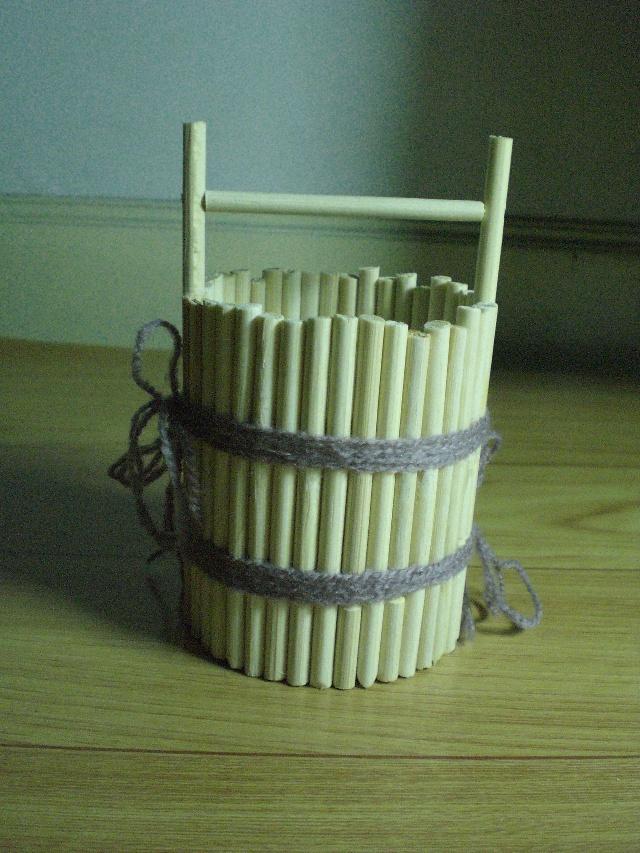 一次性筷子制作的小水桶(个人作品)